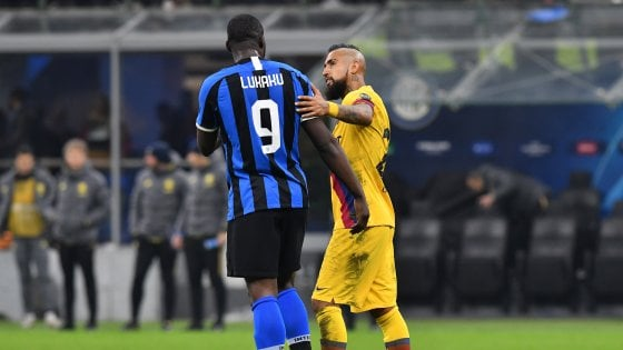Mercato: assalto finale del Napoli a Lobotka. Olmo al Barça 'libera' Vidal all'Inter