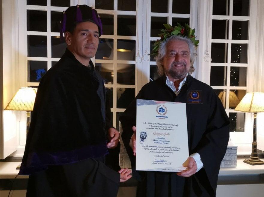 """A Beppe Grillo la laurea honoris causa in Antropologia: """"Sono il dottor Elevato"""""""