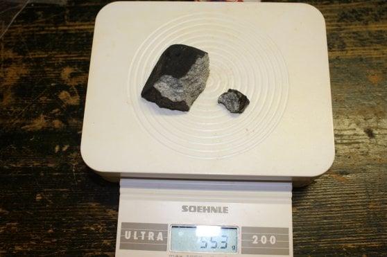 Due frammenti del meteorite di Capodanno trovati nel Modenese