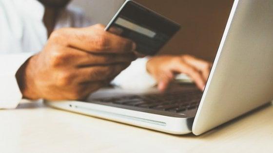 Guida ai saldi online: attenti a siti e ribassi