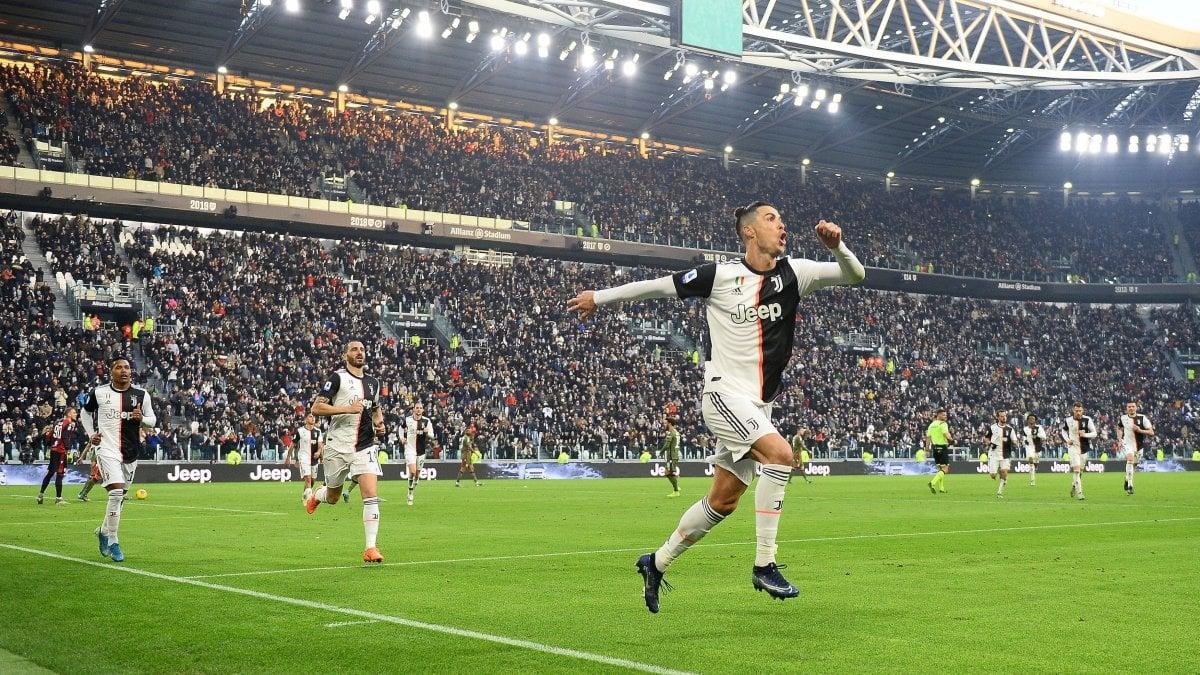 Juventus-Cagliari 4-0: tripletta di Ronaldo e gol di Higuain, sardi ...