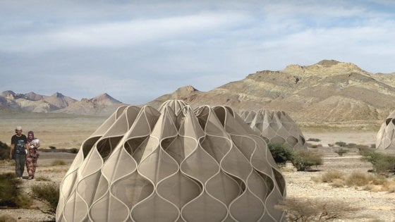 """""""Weaving a home"""", la speranza per gli sfollati è una tenda che ricicla la pioggia e produce energia"""