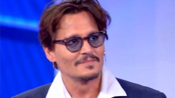 Johnny Depp A C E Posta Per Te L Annuncio Fa Impazzire Le Fan La Repubblica