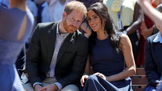 Gran Bretagna, Meghan è già tornata in Canada: Harry resta a negoziare