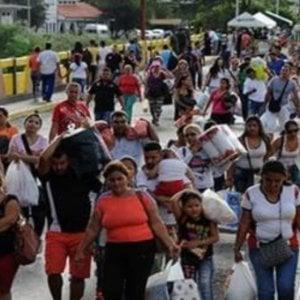 America Latina e Caraibi, circa 3,9 milioni di migranti e rifugiati venezuelani: il flusso migratorio più grande al mondo