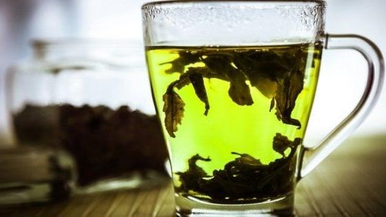 Bere tè tre volte a settimana allunga la vita e protegge il cuore