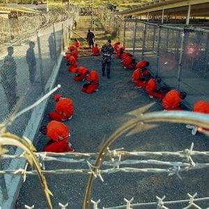 Guantanamo, a 18 anni dalla nascita della prigione, Amesty International e altre associazioni protestano a Washington