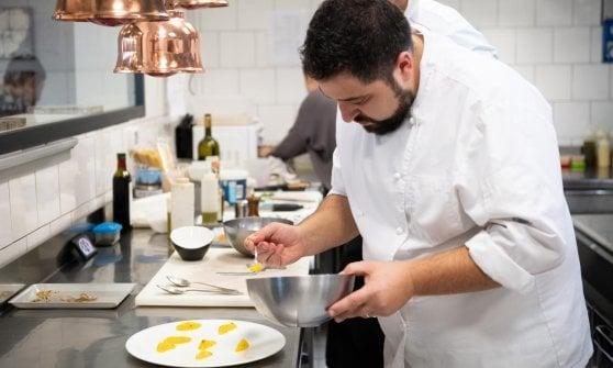 """Cene stellate ma low cost: l'alta cucina si fa """"popolare"""""""