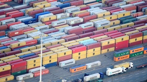Finte esportazioni tra Paesi europei, così l'Iva si perde al confine: truffe da 60 miliardi