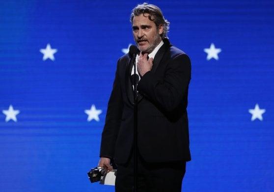 Critics Choice, Tarantino vince come miglior film. Phoenix e Zellweger migliori attori