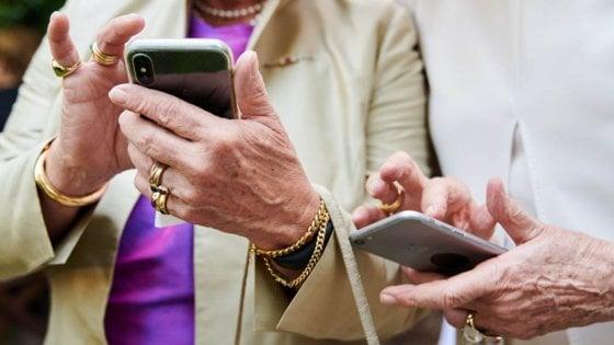 La nostra popolazione over 65 è la meno social d'Europa