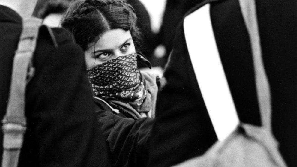 E' morta Simonetta Frau. Lo sguardo delle ragazze del '77 nella foto simbolo del movimento studentesco