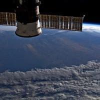 Stazione spaziale internazionale, Parmitano fotografa gli incendi in Australia: ...
