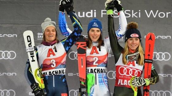 Sci, a Flachau Vlhova batte ancora Shiffrin nello slalom speciale