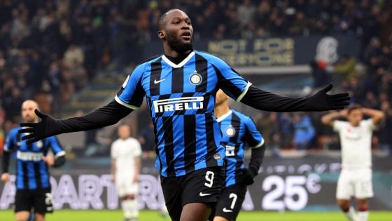 Coppa Italia, Inter-Cagliari 4-1: Lukaku trascina i nerazzurri ai quarti