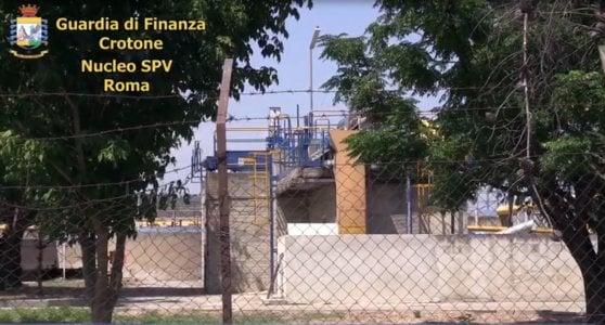 'Ndrangheta, tre arresti a Crotone: c'è anche cardiologo del Gemelli e presidente di una banca