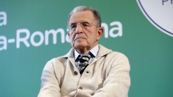 """Prodi al Pd: """"Basta con il club da dieci persone, la politica si fa tra la gente. Fa bene Zingaretti ad allargare il partito"""""""