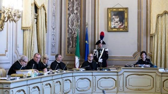 """Legge elettorale, la Corte costituzionale ha detto no al referendum voluto dalla Lega. Salvini: """"Vergogna"""""""