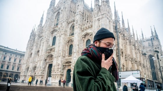 Dieta, orari e mascherine: tutti i consigli per proteggersi dallo smog