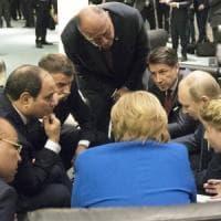 """Libia, approvata la dichiarazione di Berlino. Merkel e Guterres: """"D'accordo su rispetto..."""