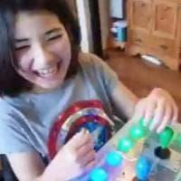 Costruisce un controller Nintendo fai-da-te per la figlia disabile. La gioia del papà:...