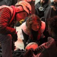 Migranti, dopo quattro giorni la Ocean Viking approda a Pozzallo