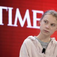 """A Davos la sfida Greta-Trump. Il presidente: """"Ambientalisti profeti di sventura"""""""