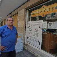 """Sanremo, il vigile che timbrava in mutande: """"Mi vestivo in orario di lavoro, era..."""
