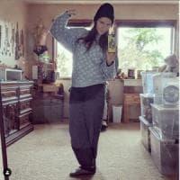 Il selfie di Amanda Knox: allo specchio con l' 'uniforme' da detenuta