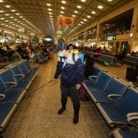 Cina, virus di Wuhan: città isolata, l'allarme si allarga