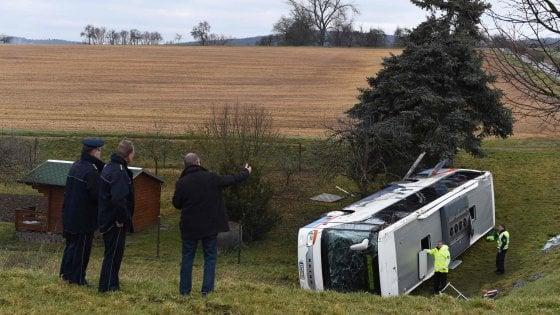 Germania, incidente scuolabus: due bambini morti
