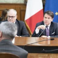 """Cuneo fiscale, via libera alla sperimentazione per sei mesi. Conte: """"Più soldi per 16..."""