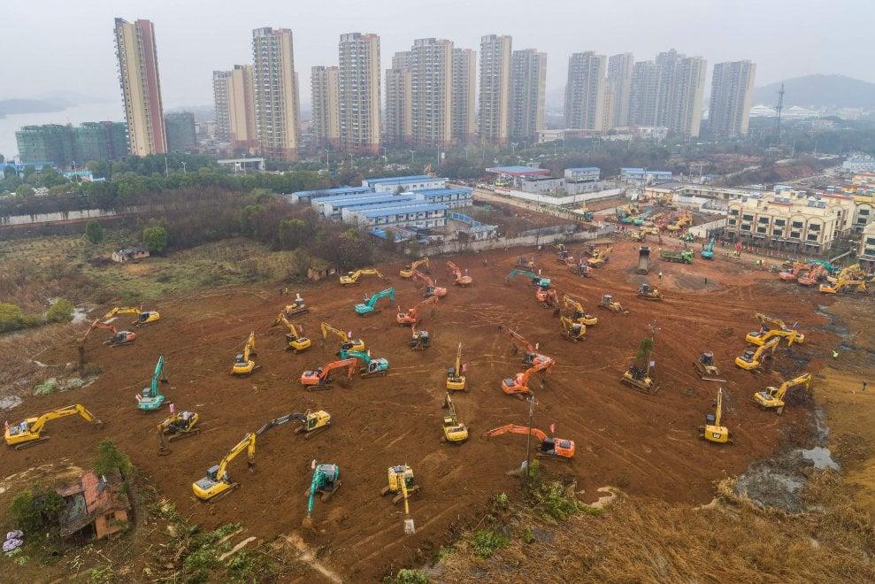 Coronavirus, al via i lavori del nuovo ospedale a Wuhan: sarà costruito in 10 giorni
