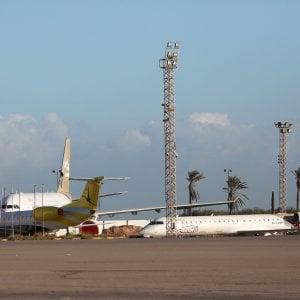 Libia: razzi contro l'aeroporto di Mitiga, un morto e 3 feriti