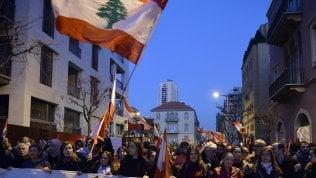 """Libano, come la rivoluzione di Beirut scuote l'intera regione: """"Ci siamo svegliati"""""""