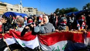 """Iraq, tra i giovani ribelli che sognano un Paese mai visto: """"Fuori americani e iraniani"""""""
