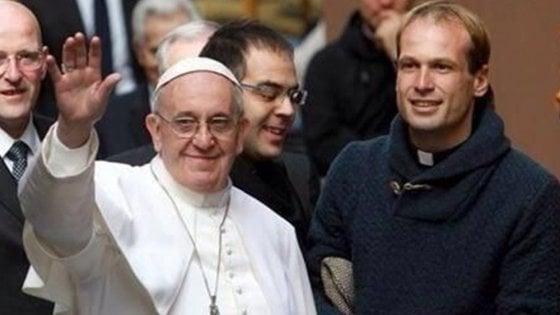 """Padre Aemilius, """"prete di strada"""" uruguaiano, è il nuovo segretario particolare di Francesco"""