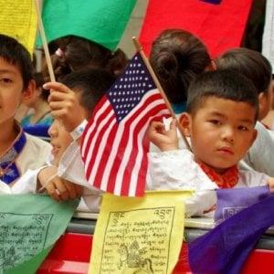 """Stati Uniti, la Casa Bianca denuncia il """"Turismo delle nascite"""": è già pronto il divieto esteso ad altri sette Paesi"""