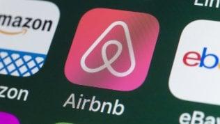 Airbnb, sfonda il tetto dei 2 miliardi in un mercato ancora senza regole