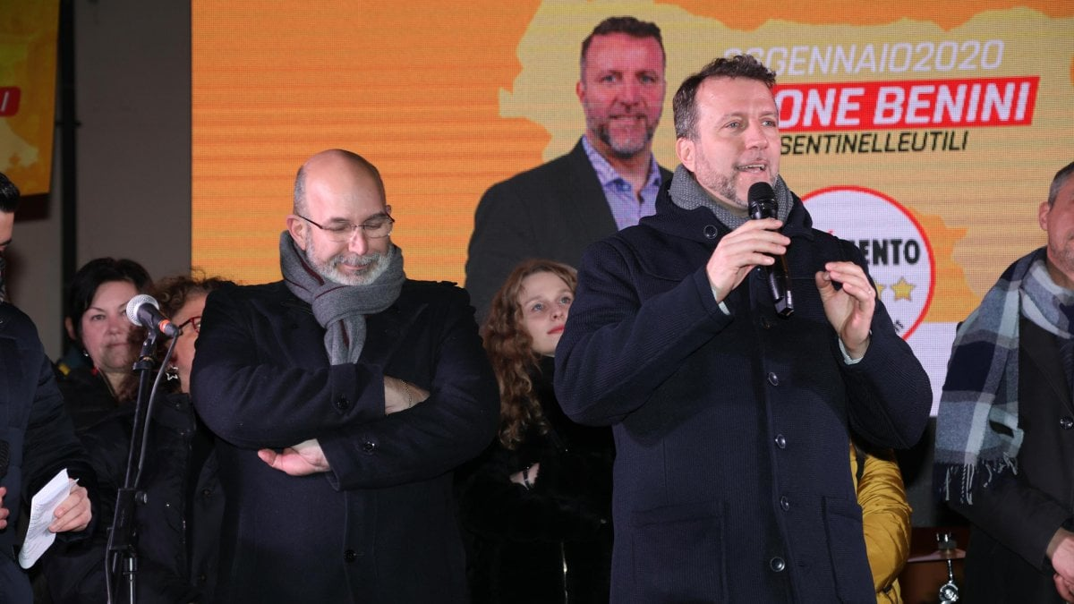 """Elezioni regionali 2020, M5s destinati alla sparizione in Emilia Romagna e Calabria. Crimi: """"Non ci arrendiamo, ma restiamo uniti"""""""
