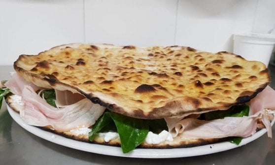 Verace e al mattarello: ecco A Rota, la pizza romana antica e moderna al tempo stesso