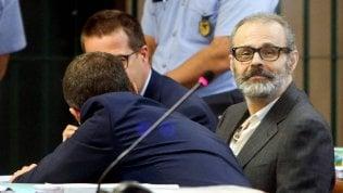 """Ergastolo al """"dottor morte"""": condannato per 12 morti in corsia Leonardo Cazzaniga, ex viceprimario di Saronno"""