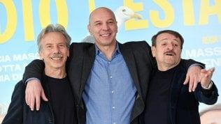 'Odio l'estate', il ritorno di Aldo Giovanni e Giacomo ci porta al mare a gennaio Trailer