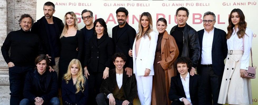 'Gli anni più belli', Muccino racconta sogni e delusioni di quattro amici in quarant'anni di storia d'Italia