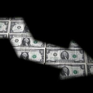 Stipendi: finanza e farmaceutica al top, ristorazione e agricoltura flop