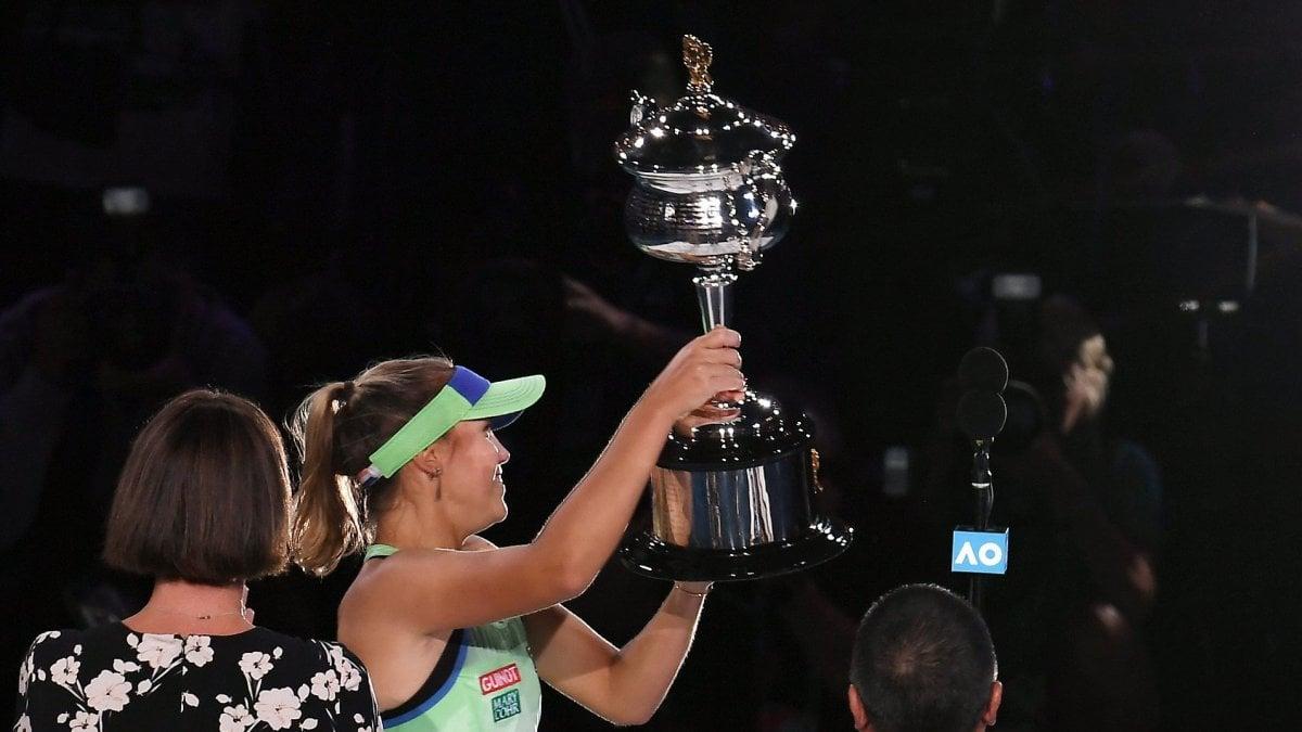 Tennis, Australian Open: Kenin completa il sogno, Muguruza battuta in finale