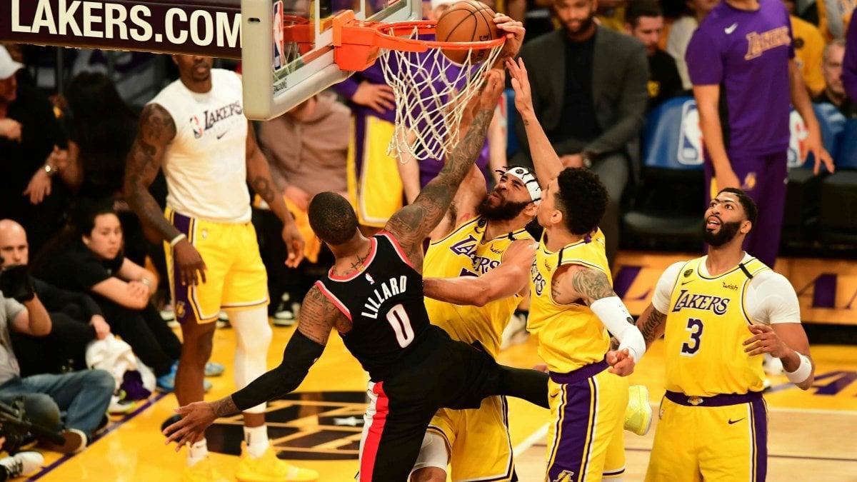 Basket, Nba: Bucks e Lakers sconfitti in casa, super Gallinari fa volare Thunder
