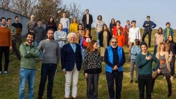 """Sardine sotto attacco per la foto con Benetton. La replica dei fondatori: """"Basta strumentalizzazioni"""""""