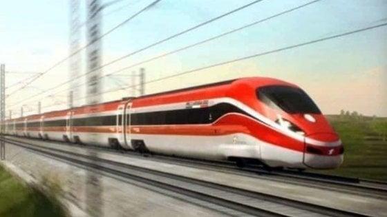 Sempre più italiani in treno: cinque milioni e mezzo lo usano ogni giorno,  ma l'Italia è divisa in due