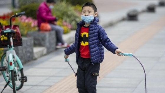 Coronavirus nei bambini: cosa fare e a chi rivolgersi in caso di sintomi sospetti